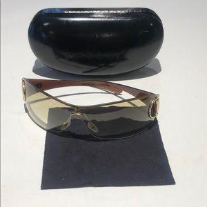 Gucci women's shield sunglasses brown / gold